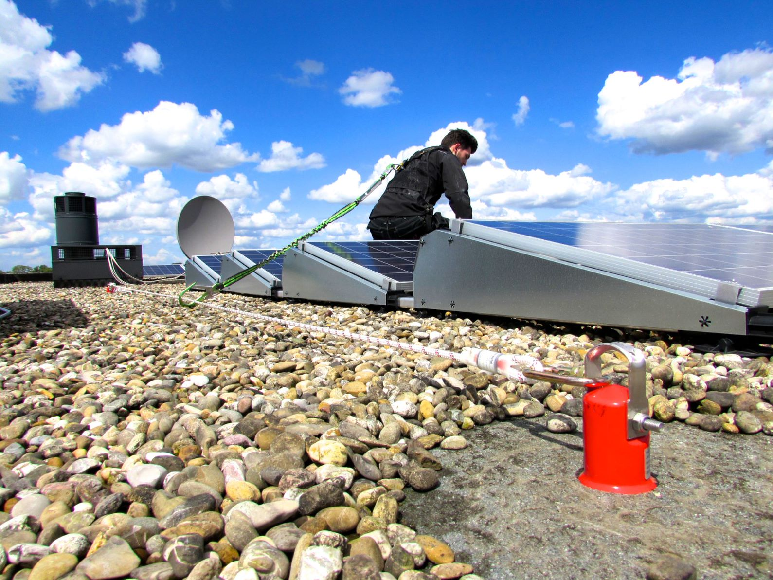 valbeveiliging montage zonnepanelen